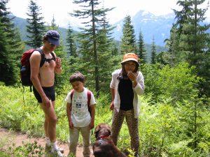 2004-family-hike-7
